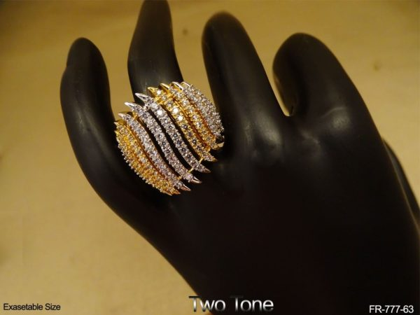 Wavy Layered Style AD Finger Ring