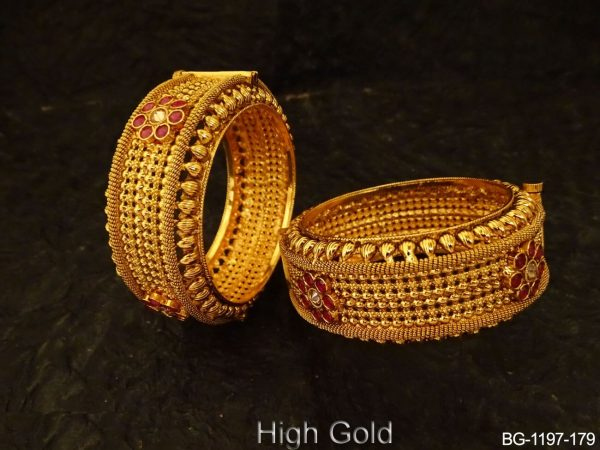 Broad Style Checks Antique Bangles