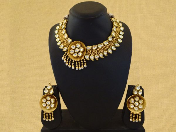 Paan Stone Bordered Antique Necklace Set