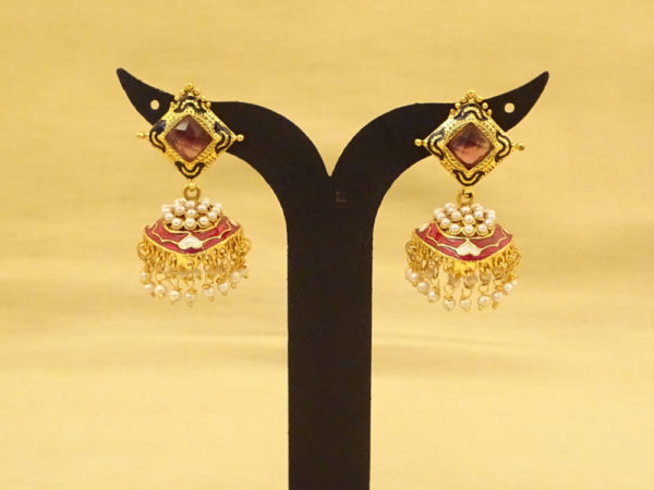 square hold bell style antique earrings