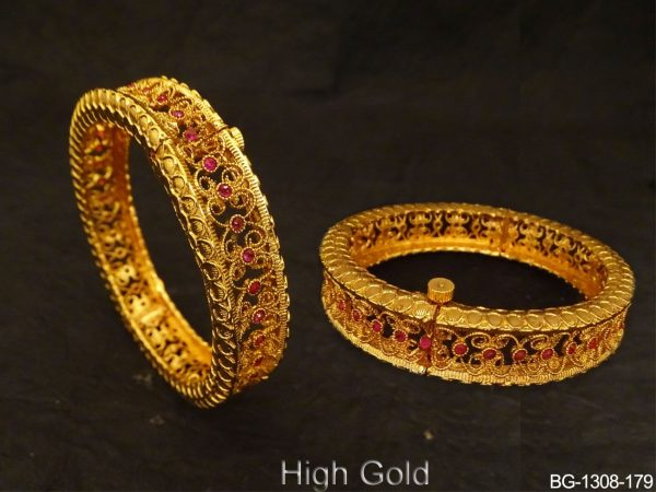 Textured Medium Style Antique Bangles
