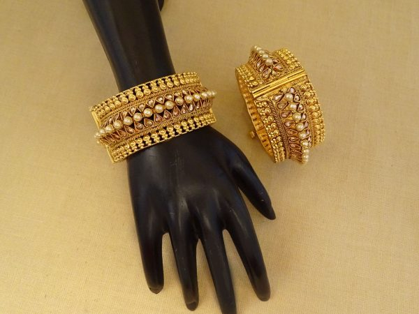 Broad Shape Style Antique Bangle