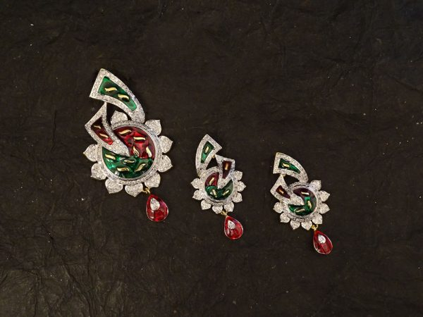 traditional diamond combo with red and green ad pendent set