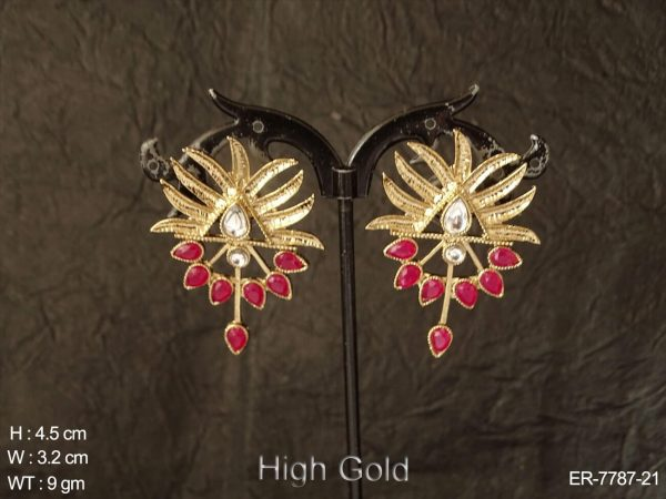 Fancy delicate design antique earring