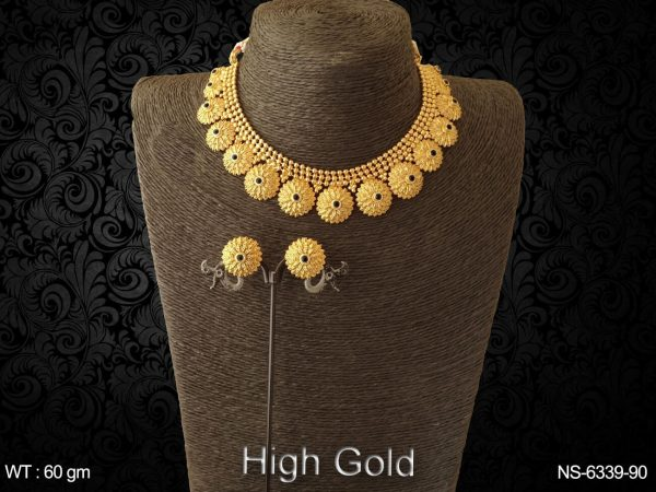 Flower emboss design high golden antique necklace set