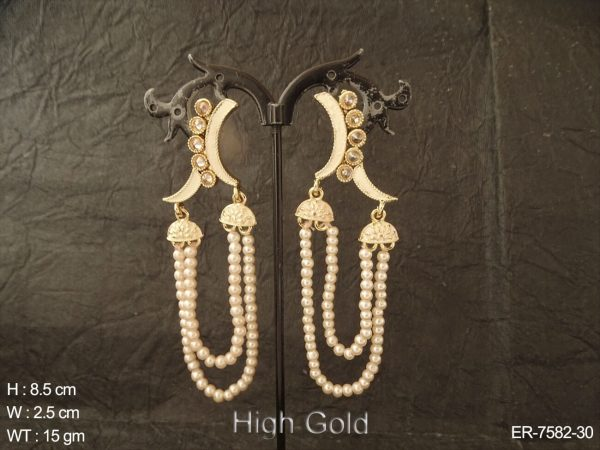 Traditional type curve antique earring