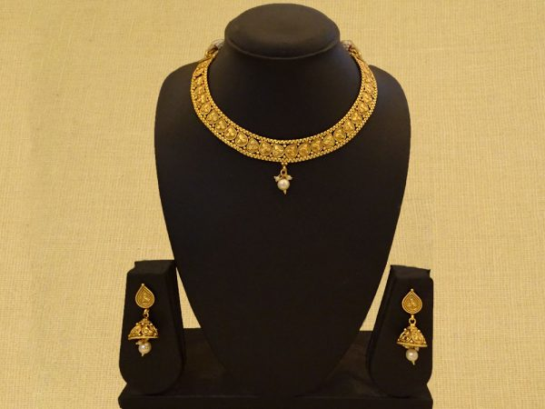 Traditional Style Antique Necklace