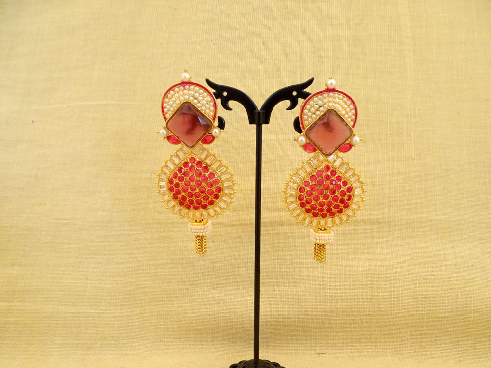half chand rhombus hold paan drop antique earrings