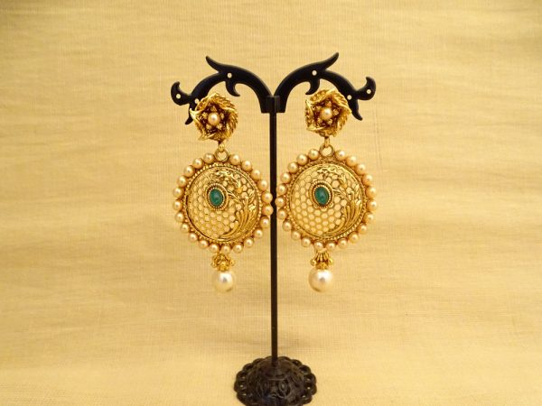 Round Style Flower Antique Earrings