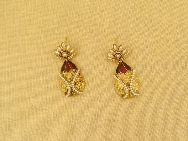 victorian decoration stylist antique earrings