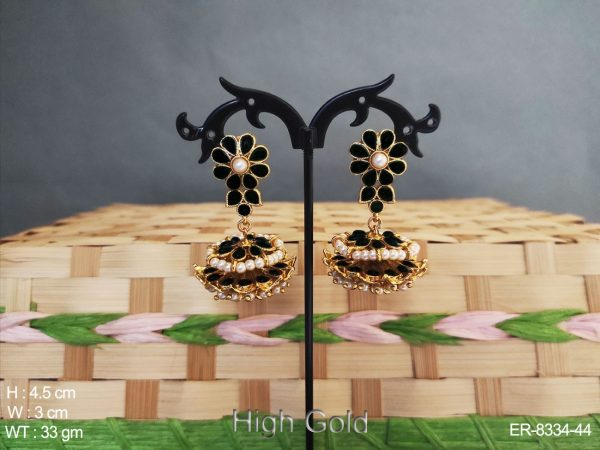 Meduim Flower and Pearl Design High Gold Polished Antique Earring