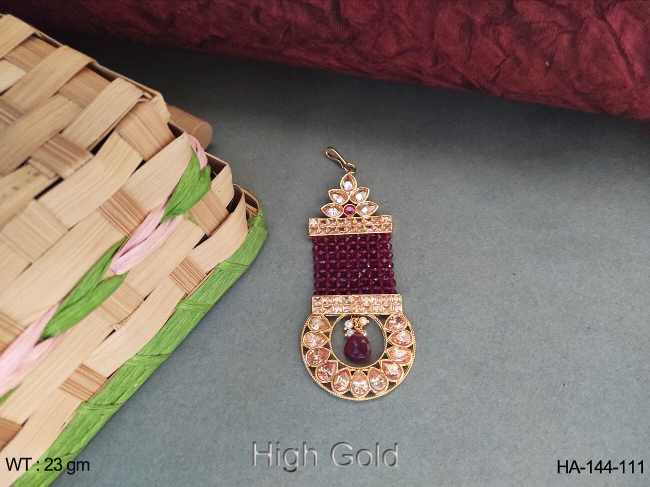 traditional antique Hair Accessories .