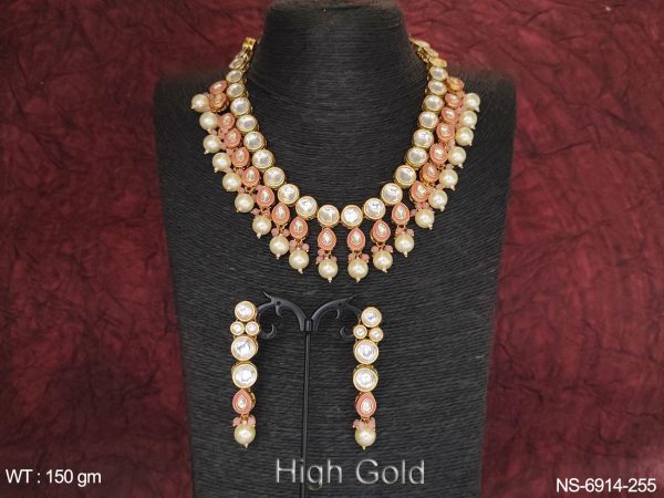 Clustered pearl Full Stone Kundan Havy Paan Round Stone High Gold Polish Necklace Set