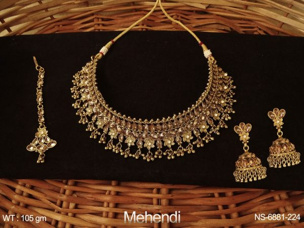 Choker Heavy Desgner Polki Necklace Set.