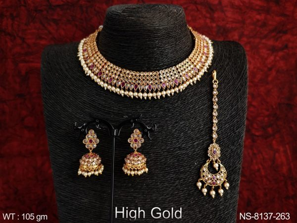 ANTIQUE DESIGNER ROUND PAAN SHAPE FULL STONE CHOKER NECKLACE WITH MAANG TIKKA