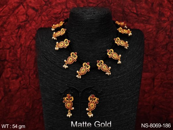 Designer Fancy Style Kemp Jewelry Beautiful Clustered Pearl Matte Gold Polish Party wear Fashion Necklace Set